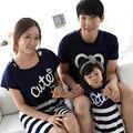 Летний стиль семейный комплект одежды хлопок письмо печать короткий рукав рубашки соответствия мать дочь полосатом платье комплект