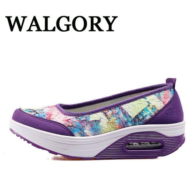 Resbalón De Las Señoras De Peso Ligero En El El El Zapato 276b8e