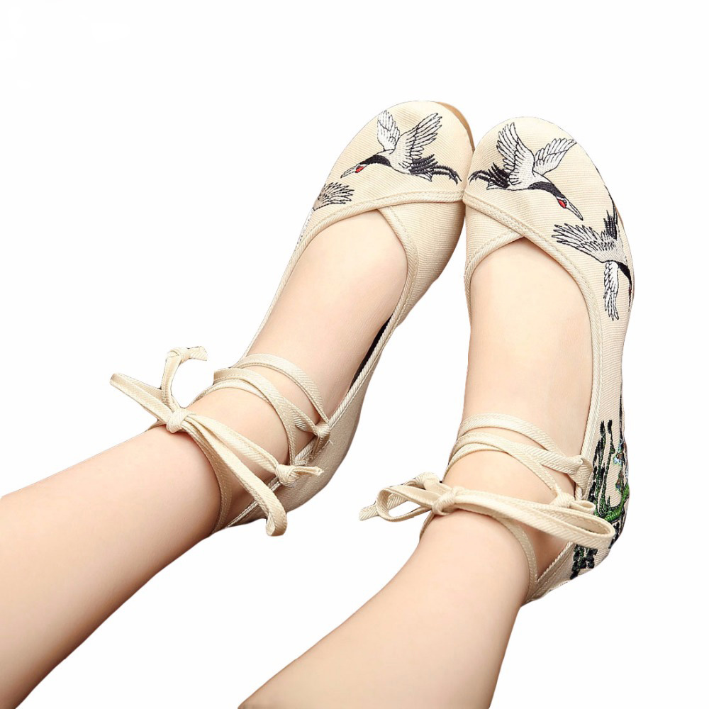 Fashion Women Shoes Old Beijing Mary Jane Flats With Casual Shoes Chinese Style Embroidered Cloth shoes woman Plus Size 35-41 vintage embroidery women flats chinese floral canvas embroidered shoes national old beijing cloth single dance soft flats