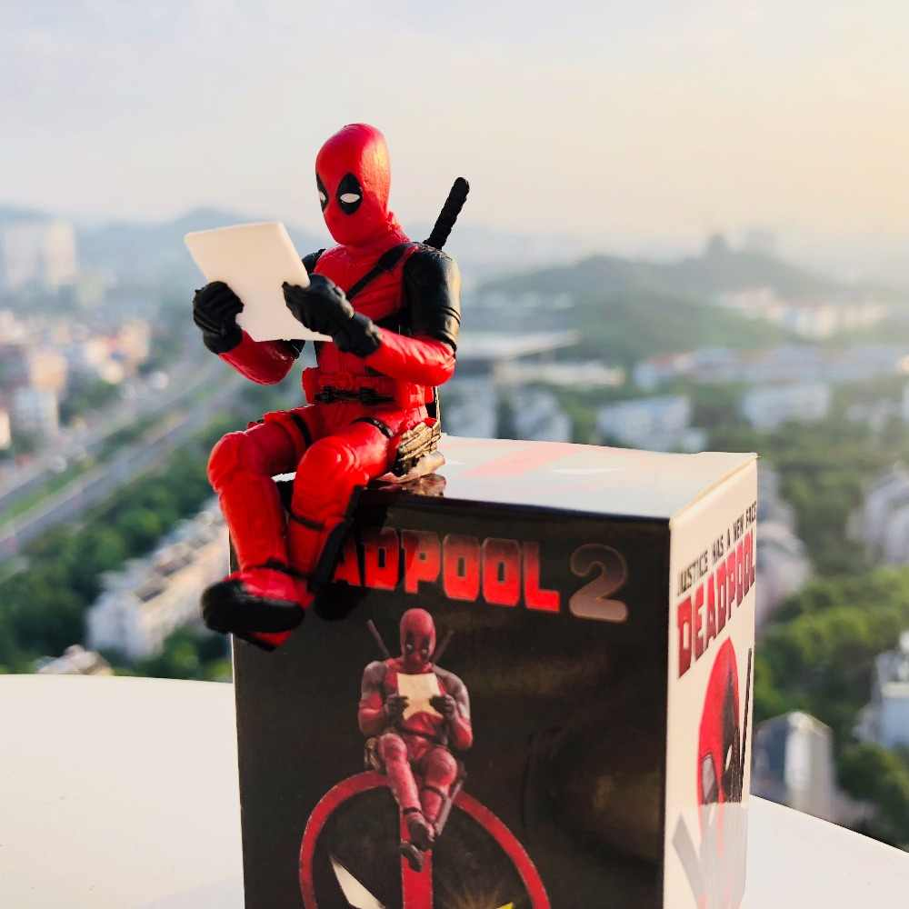 Deadpool Postura Sentada Modelo Anime X-Men Mini Decoração Boneca Pvc Coleção Estatueta Brinquedos Para Meninos 7 cm