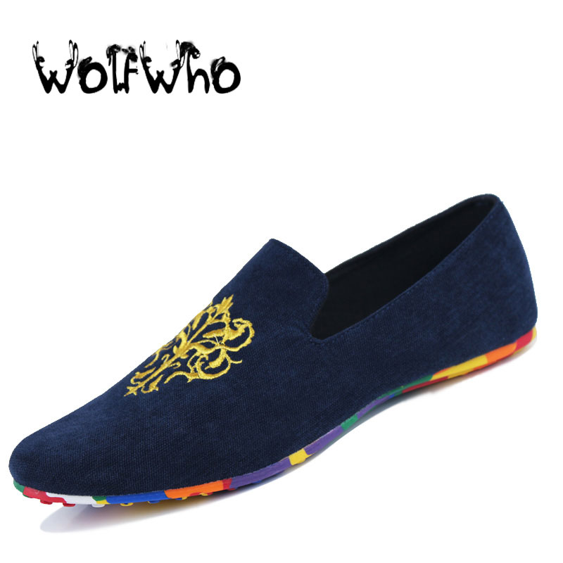 Fashion Suede Men Shoes Soft Nubuck Leather Shoes Casual Slip-on Moccasins Men Boat Loafers Driving Flats Totem Printing Shoes men s slip on loafers casual crocodile leather loafers breathable moccasins shoes boat shoes driving shoes flat shoes for men