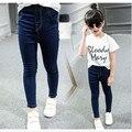 La primavera y el otoño de la muchacha niños del desgaste de los niños jeans pantalones casual pantalones delgados pantalones 2-14 años muchacha del niño