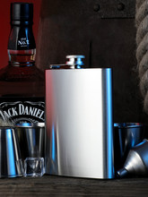 Thickened High-grade Metal 316 Stainless Steel Bottle Portable Outdoor flagon Liquor