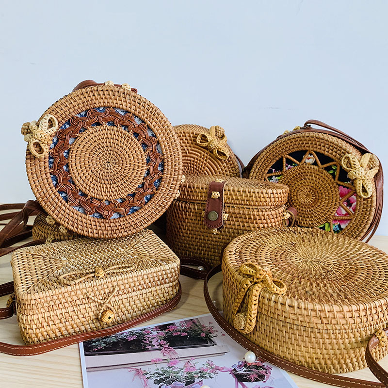 2019 Women Round Straw Bags Woven Handmade Ladies Design Summer Beach Circle Bohemia Rattan Cross Body Shoulder Bag New Fashion