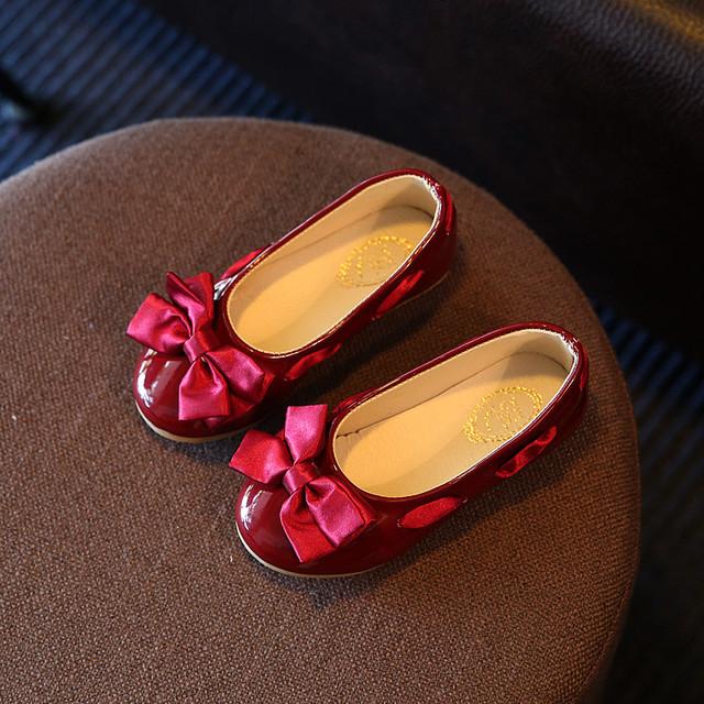 Nueva marca girls flat shoes bebé kid casual bowknot de cuero de la pu escuela vestido de princesa ballet shoes para la boda del partido rojo rosa azul