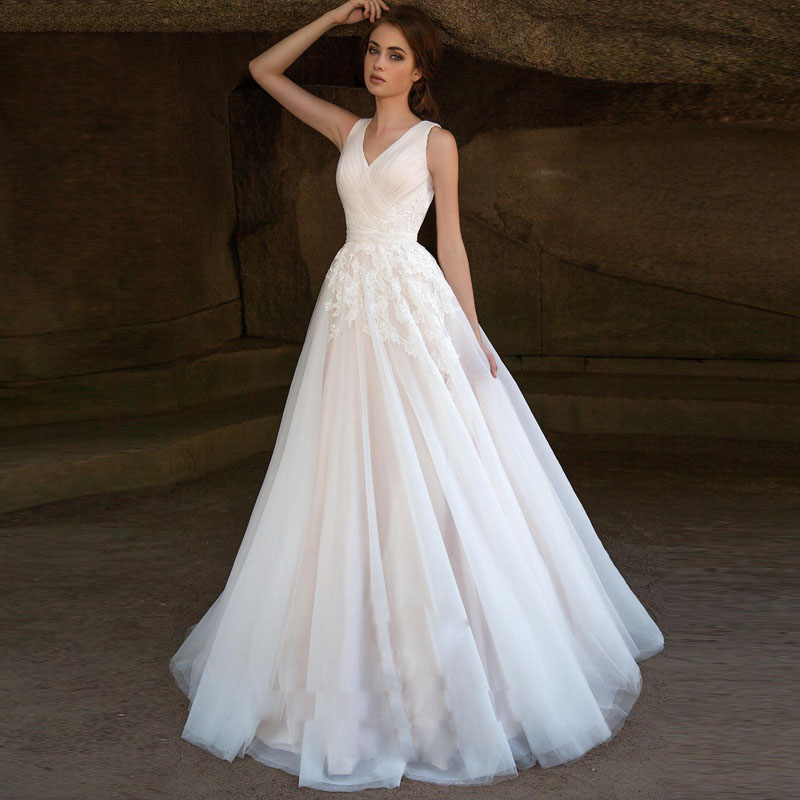 2019 Modest A-Line Wedding Dresses With Sleeveless Puffy Lace Wedding Gowns Vintage Country Western Bridal Wedding Dress