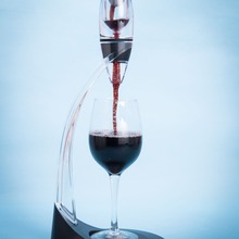 Tower-Set Decanter Wine-Aerator Deluxe Essential Magic Black Red And Pourer