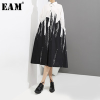 EAM 2018 New Spring Summer Lapel Long Sleeve Temperament Irregular Ink Printed Loose Big Size