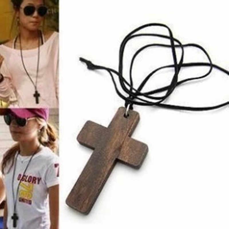 Nk105 atacado presente de natal cruz corda de madeira longo pingente colar para feminino menina presente jóias acessórios