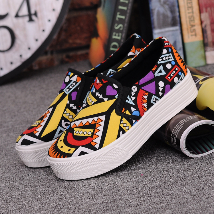 Canvas Shoes Women Girl 2016 New Footwear Female Slip On Platform Casual Shoes Flatform Autumn Graffiti Round Toe Loafers Flats (8)