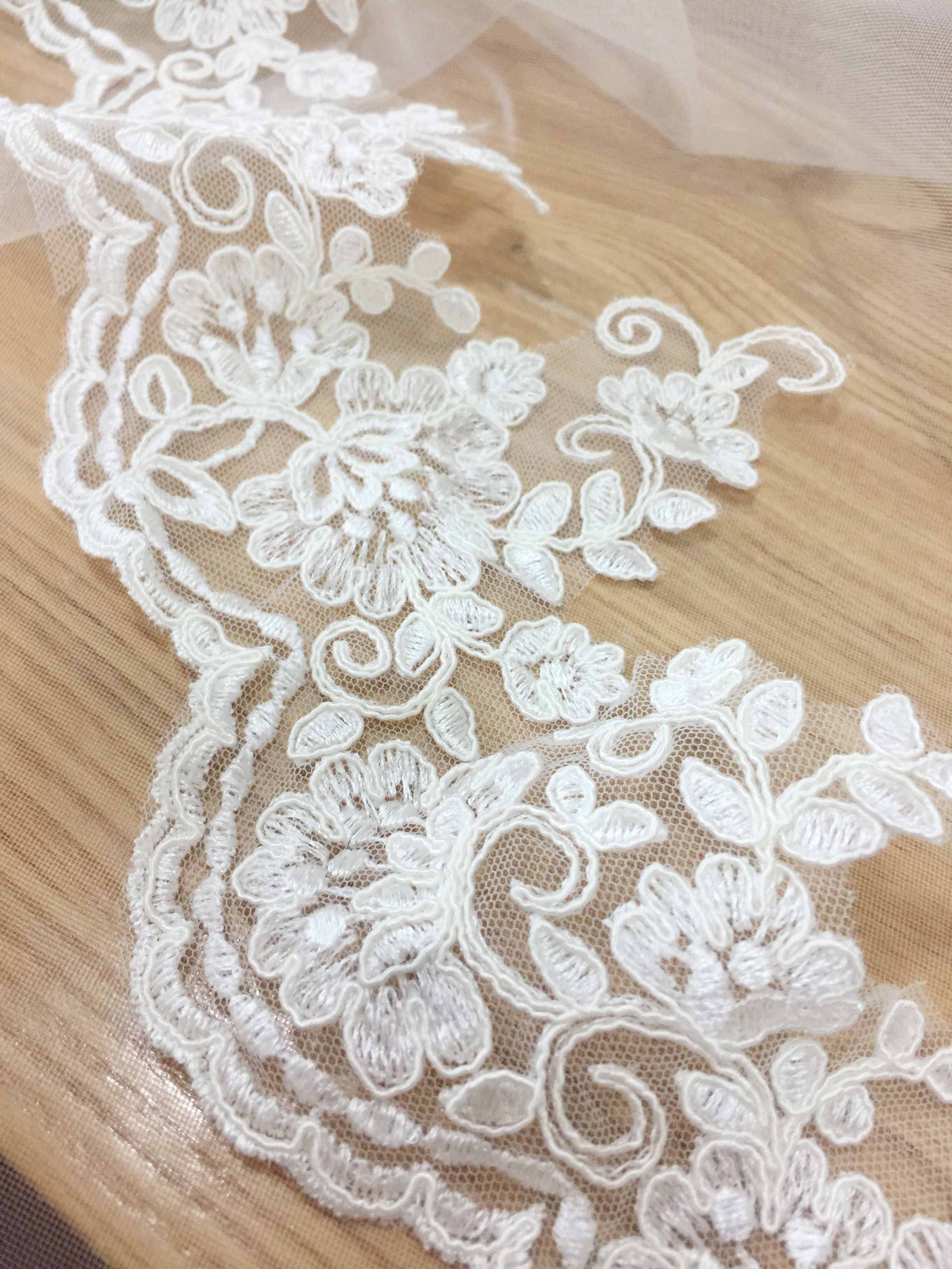 Ivory 3 Yards Retro Fabric Hollowed Embroidery Cotton Lace Dress Lace Handicrafts Sewing Lace 5.1 Inches Wide