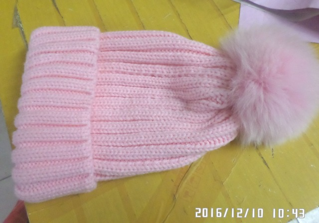 Fashion high quality knitted cap  Both men and women, parent-child chinstrap cap  with big  fox fur ball real fur hat