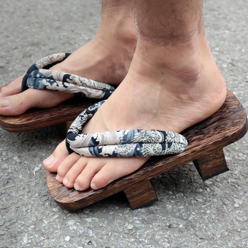 Cosoorld The King Of Fighters Gorodaimon Cosplay Bite Clogs Wooden Shoes High Heels Fashion Sandals With Socks For Summer (4)