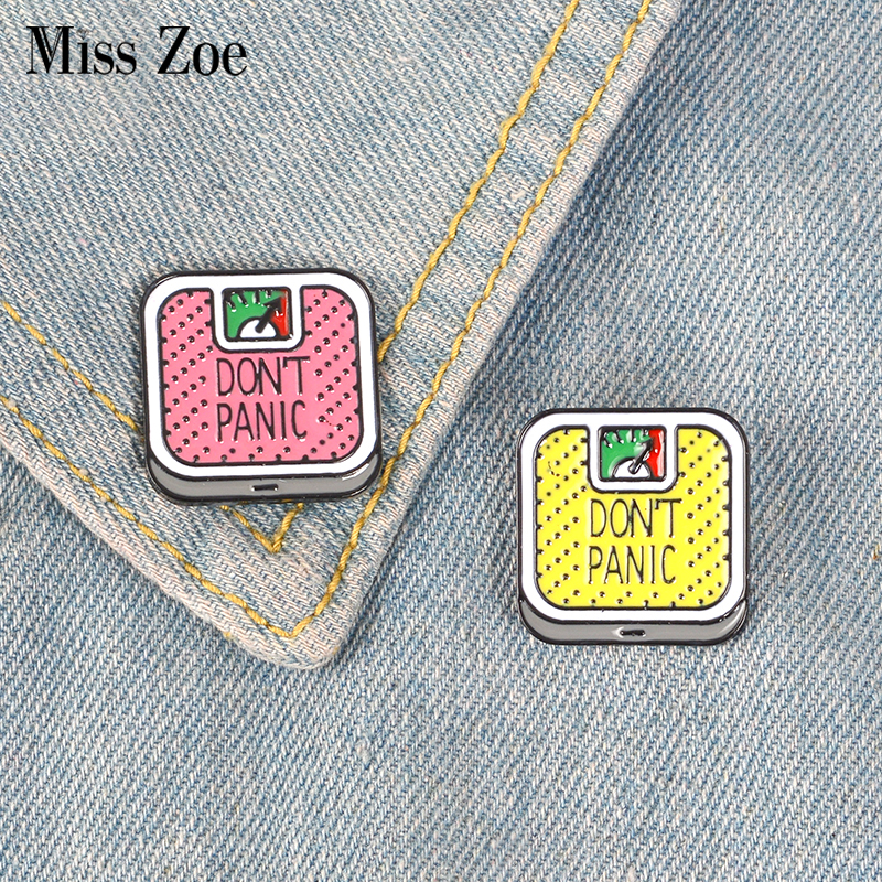 Weight Loss Enamel Pin Don't Panic Weight Scale Badge Brooch Lapel Pin Denim Jeans Shirt Bag Fun Jewelry Gift For Girl Friends