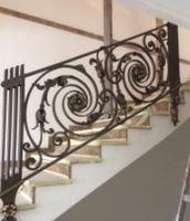 Hench 100% 手作り鍛造カスタムデザイン屋外錬鉄製の階段手すりサプライヤー