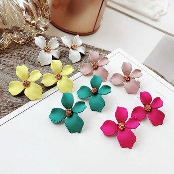 2018 New Arrival Plant Resin Women Hyperbole Stud Earrings Small Fresh Earrings With Color Flowers Fashion Women Jewelry