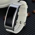 Nueva de fábrica de smart watch paso de la frecuencia cardíaca reloj led estudiantes deportes impermeables hombres y mujeres tabla de la pulsera electrónica
