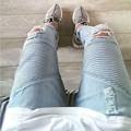 Buraco DO MOTOCICLISTA Dos Homens JEANS Skinny Jeans Rasgado Para Os Homens Britânicos High-rua Jeans Angustiados Namorados Freeshipping