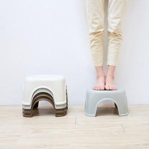 Image 4 - Moda Simples Função Chuveiro de Plástico Fezes Tamborete de Banheiro Antiderrapante Grosso Criativo Pequeno Banco Banheiro Mobiliário Móveis Para Casa