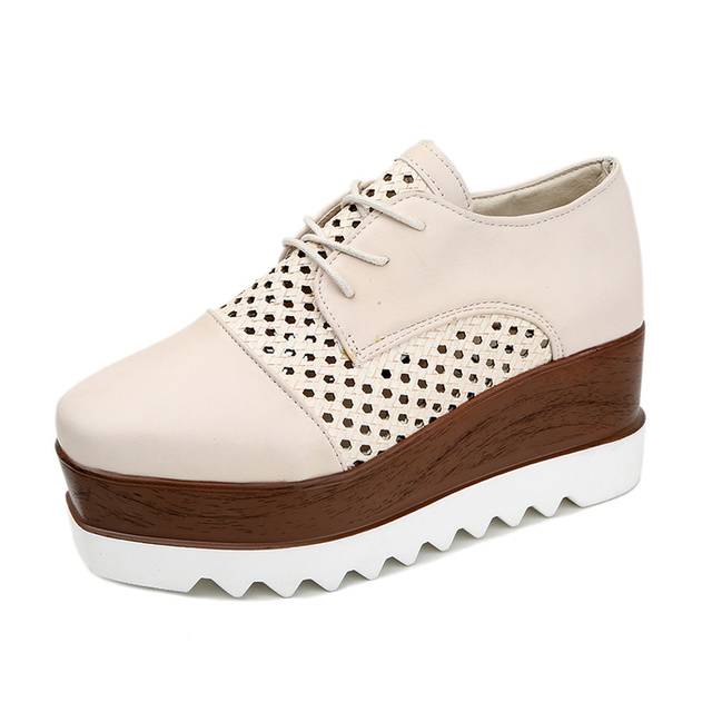 717f52fe8b4 Spring Beige Black Brogues Shoes Woman Lace-Up Cut-Out Carving Bullock  Ladies Derby Shoes Platform Creepers Superstar Shoes