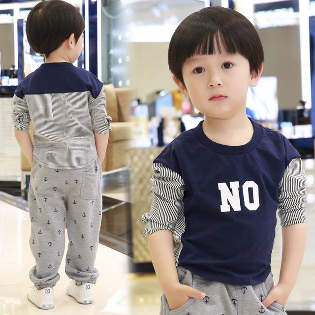 2016 niños del resorte de manga larga a rayas los niños camisas de algodón linda letra impresa sudaderas tocando fondo por Kid sudadera