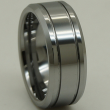 8 мм ширина серебристо-серый мужчины/мальчик простой дизайн маленьких конических 2 линии рифленая царапинам блестящий вольфрама кольцо