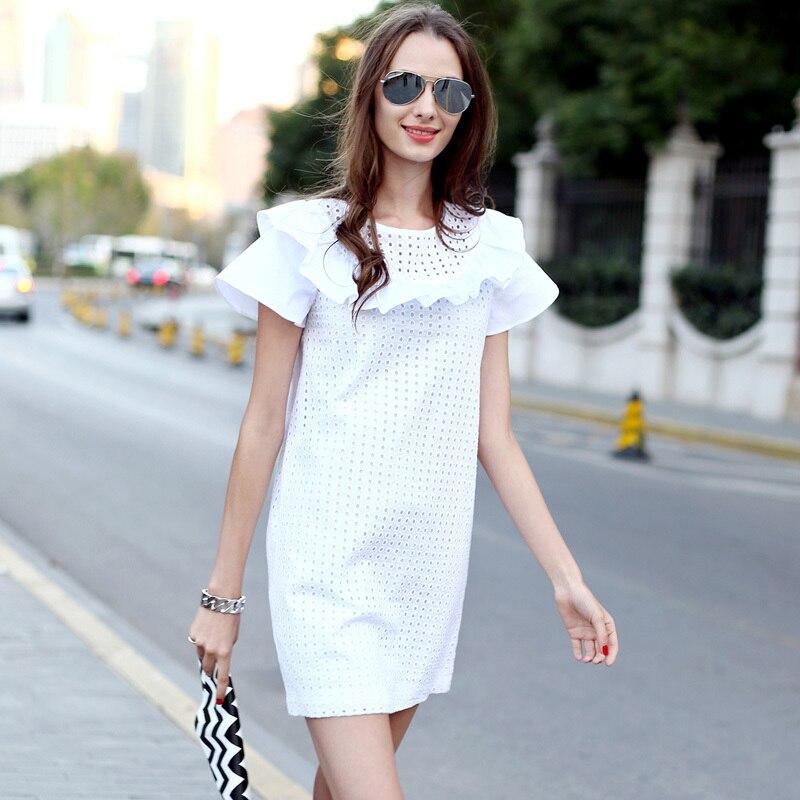 Платье из материала рюшами