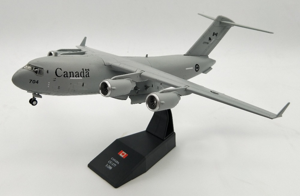 1:200 Canadian Air Force United States C-17 global supremacy transport aircraft Alloy aircraft model Collection model the united states 1 72 sr 71 blackbird reconnaissance aircraft model aircraft model alloy
