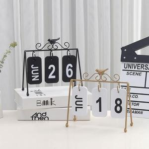 Image 2 - 2020 Fashion Manual Desk Metal Calendar Home Decorations Office Table Calendario Pared Wood Stationery Girls Birthday Gift