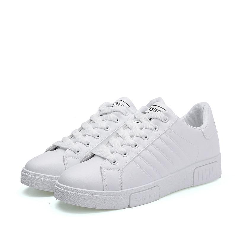 Prix pour Femmes de Planche À Roulettes Chaussures femmes sport sneakers Planche À Roulettes en cuir low top filles Non-slip Traning chaussures de marche