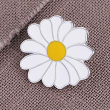 imixlot Cute Metal Badge White Daisy Flower Spring Easter Enamel Lapel Pin Brooches Women Girls for Clothing Mothers Day Gift