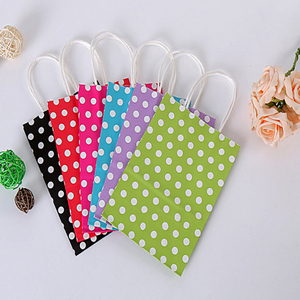 Image 4 - 40 Stks/partij Polka Dot Kraftpapier Gift Bag Met Handvatten 21*15*8Cm Hotsale Festival Gift Bags diy Multifunctionele Boodschappentassen