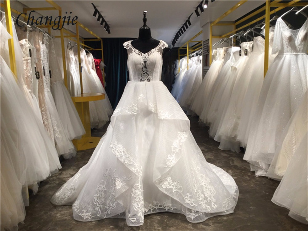 2018 Ball Gown Wedding Dresses V Neck Cap Sleeve Lace Up