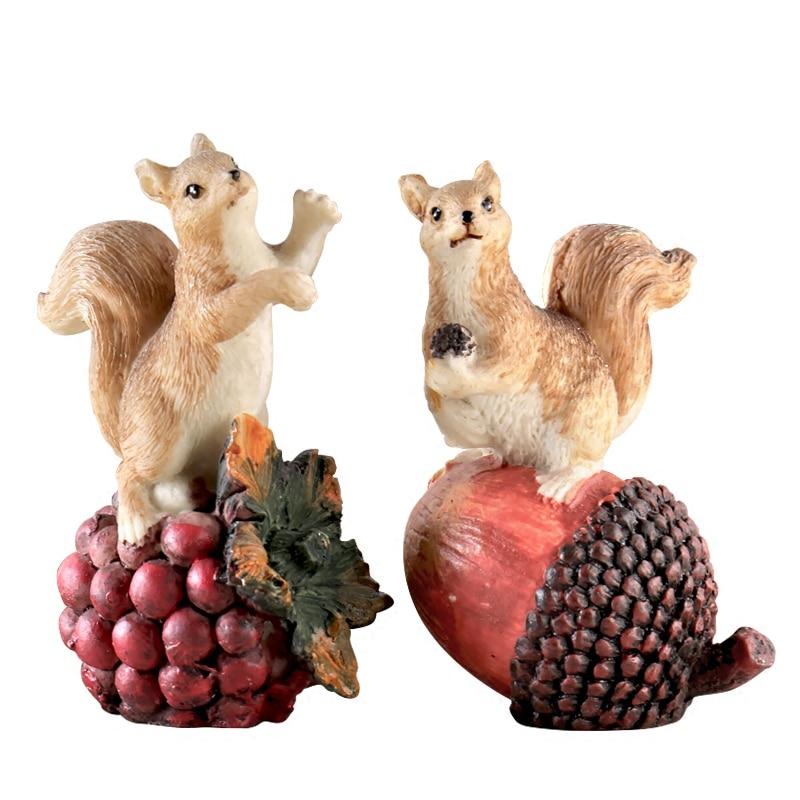 Squirrels home decor