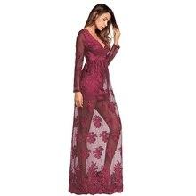 فستان طويل مثير و شفاف من الدانتيل المخرم