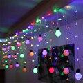 220 V 5 CM de gran tamaño 4*0.65 M 140 Leds 28 Bolas LED Cadena de Cortina de Luz Para El Hogar Del Banquete de boda de Navidad de Secuencia de Hadas Luces de Navidad
