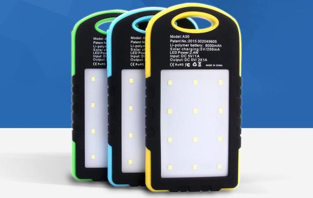 Nueva 8000 mah banco de la energía solar con luz led portátil de viaje al aire libre teléfono usb cargador de batería externa para iphone5 samsung s6