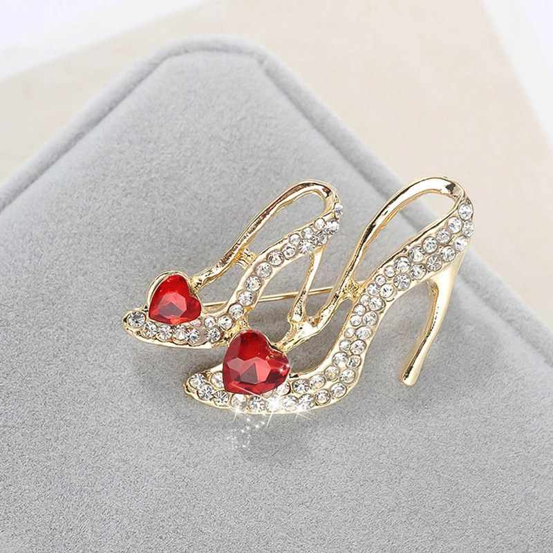 Fashion Kristal Berbentuk Hati Hak Tinggi Bros Wanita Merah Enamel Sandal Bros Korsase Klip untuk Setelan Syal Perhiasan Gaun pin