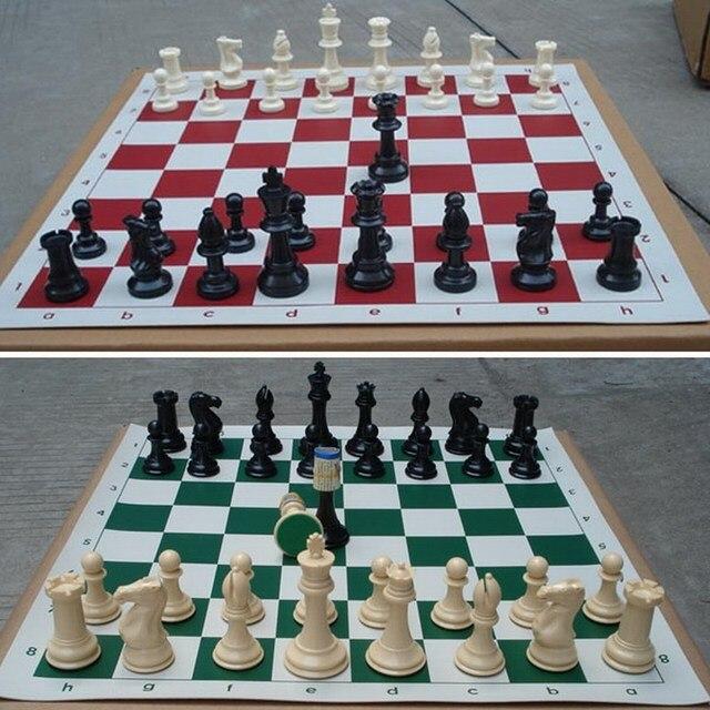 Lot de 32 pièces d'échecs médiévales en plastique - 77mm 5