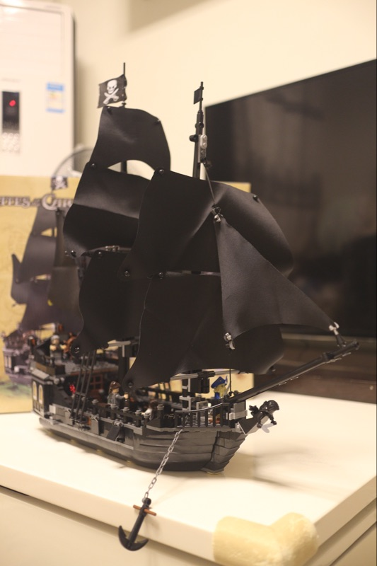hot sale legoing pirates of the caribbean toys ship Black Pearl Perle compatible model building kits blocks black pearl building blocks kaizi ky87010 pirates of the caribbean ship self locking bricks assembling toys 1184pcs set gift