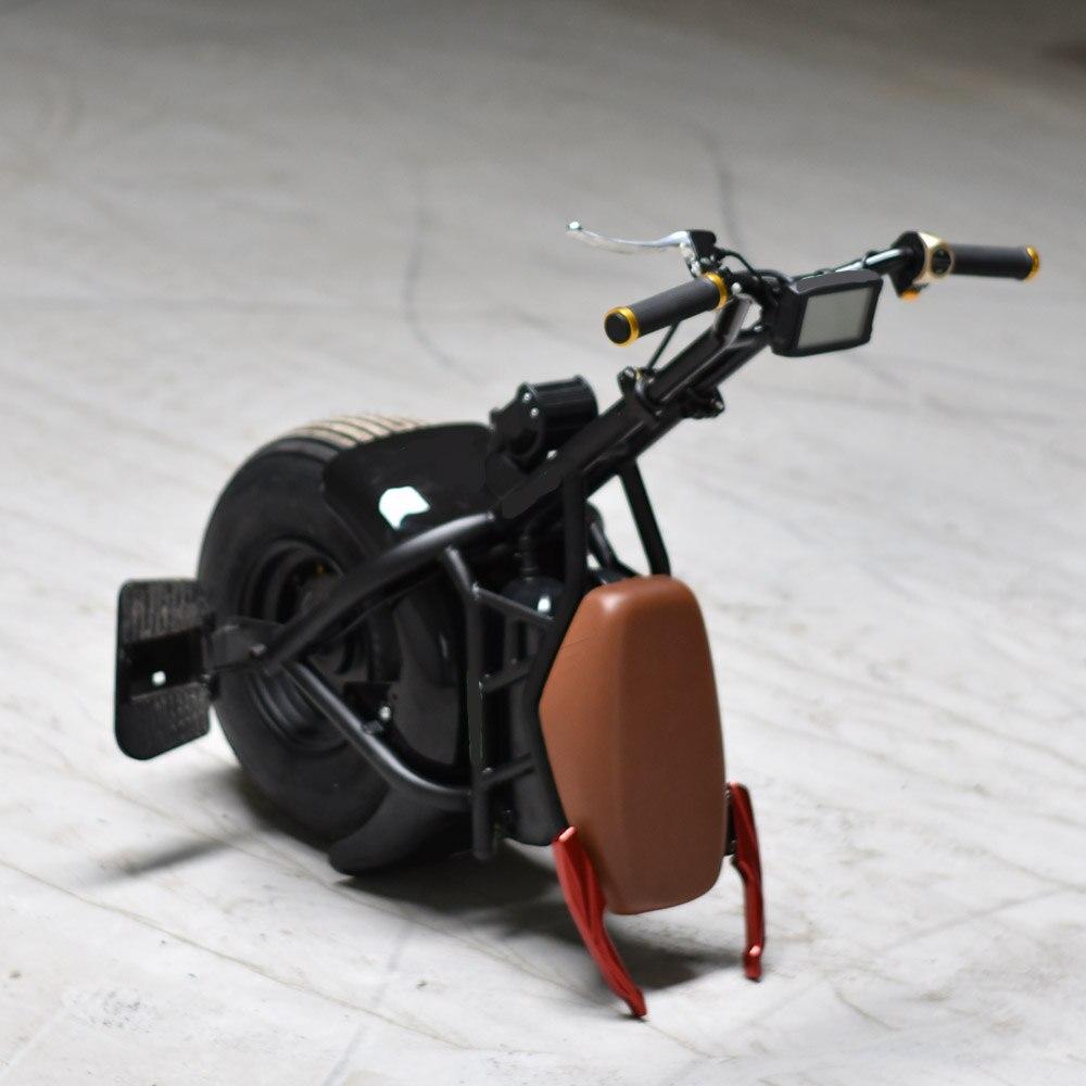Une roue auto-équilibrage gros pneu citycoco scooter électrique