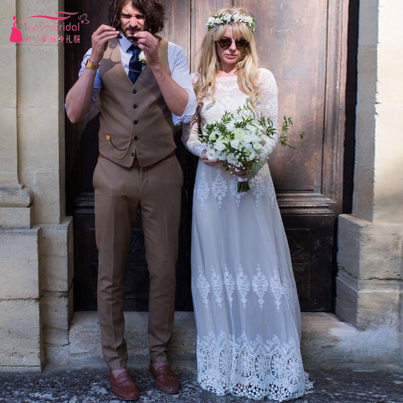Form Fitting Bohemian Wedding Dress Vintage Style Plunging