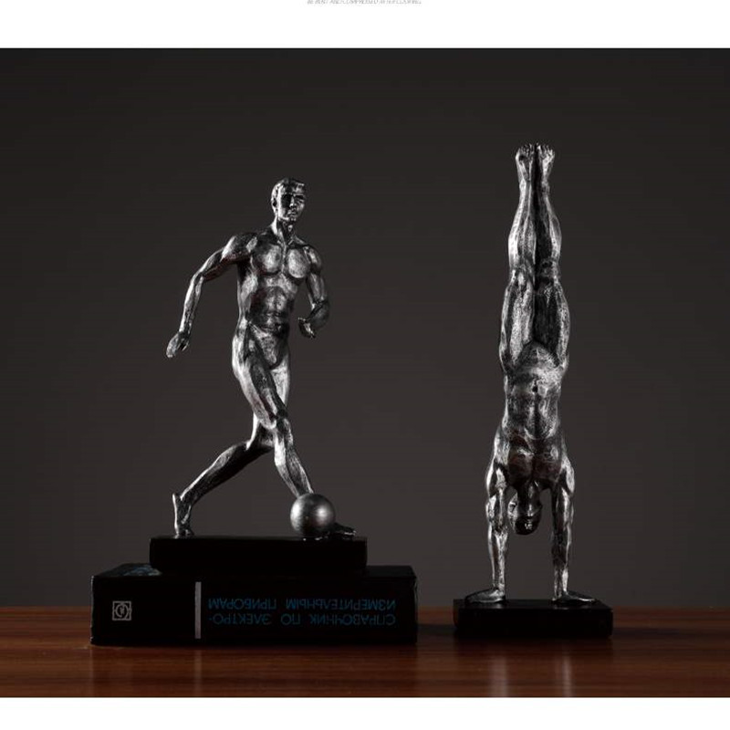 Retro Men's Sports Statue Athlete Play Football Abstract Gymnastics Characters Figurine Resin Art&Craft Home Decoration R1147