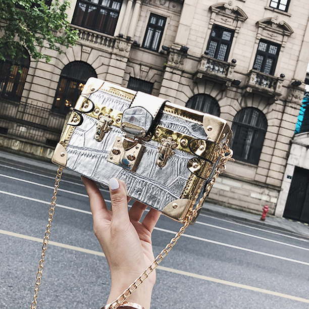 Vintage Handbags Clutch Retro Women Messenger Bags Panelled Box Bag Rivet Crossbody Shoulder Bags Small Handbag Purse