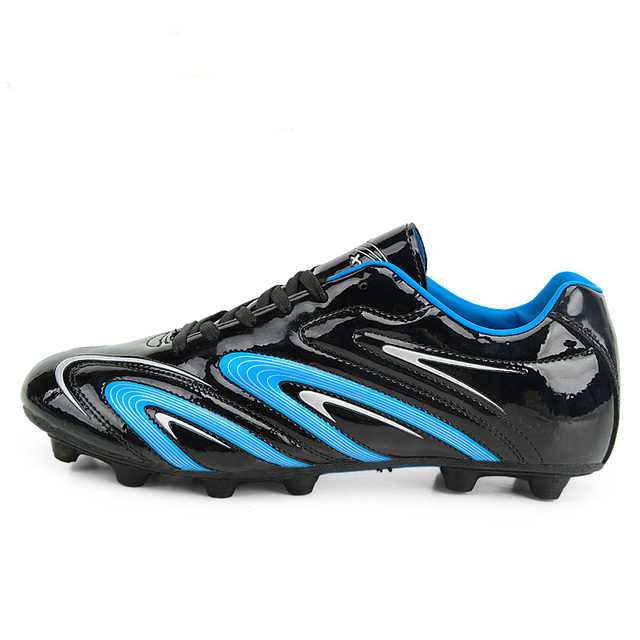 New Leather Soccer Boots Purple Black Soccer Cleats Original Boys Athletics  Spikes Shoes Plus Size 11 Youth Football Cleats Shoe 7725ca2aeaba