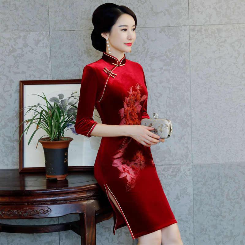 db986dc48 ... 2019 New Red Chinese Women Traditional Dress Velvet Cheongsam Tighten  Sexy Qipao Flower China Wedding Dress ...