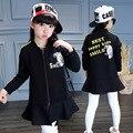 Nueva Marca Niñas Traje de 2017 Del Otoño Del Resorte Niños de la Manera Shirt + Coat + pant Tres Piezas de Equipo-cuello de Algodón de Manga Larga Ropa Caliente