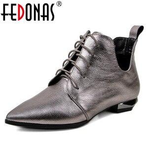 Женские ботинки на низком каблуке FEDONAS, осенние ботинки с острым носком на шнурках, 2021