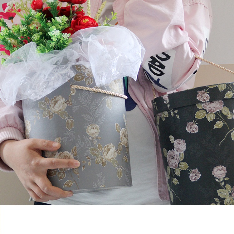 Alice hug bucket box retro engraved flower bucket high - end bouquet packaging gift box three - piece