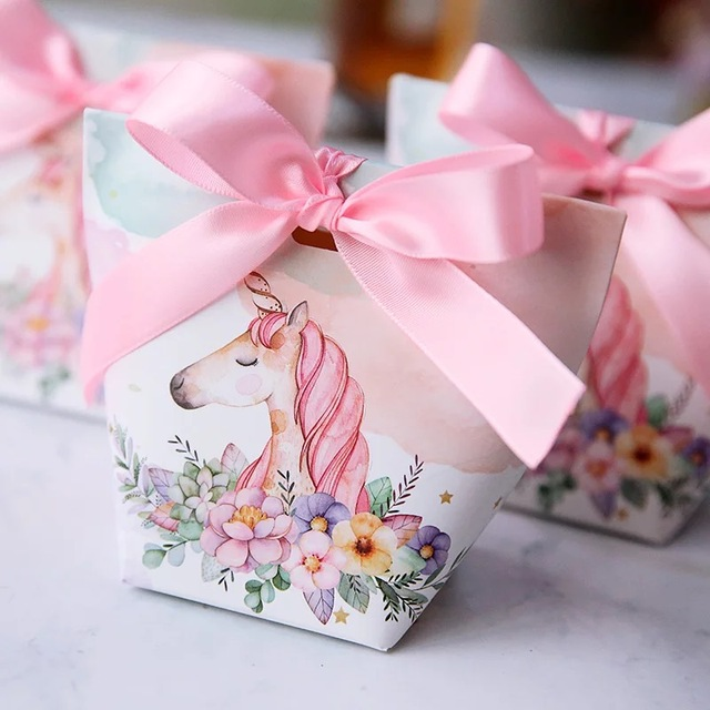 50pcs European Wedding Favors Rabbit Deer Flamingo Unicorn Candy Bo Oniera Party Gift Box Sugar